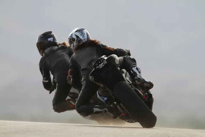 ChasingMotorcycles, Chopper Bikes, Girls Power, Street Bikes, Biker Babes, Harley Bikes, Lady Biker, Yeye Bikes, Favorite Cars