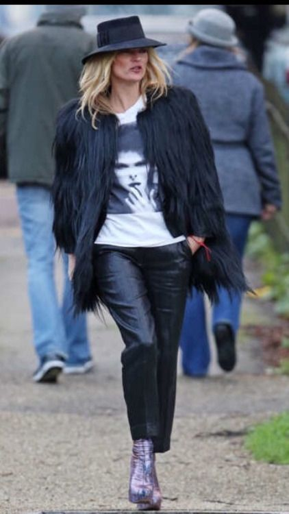 vogue and coffee | Kate Moss memorializes David Bowie | January 11,...