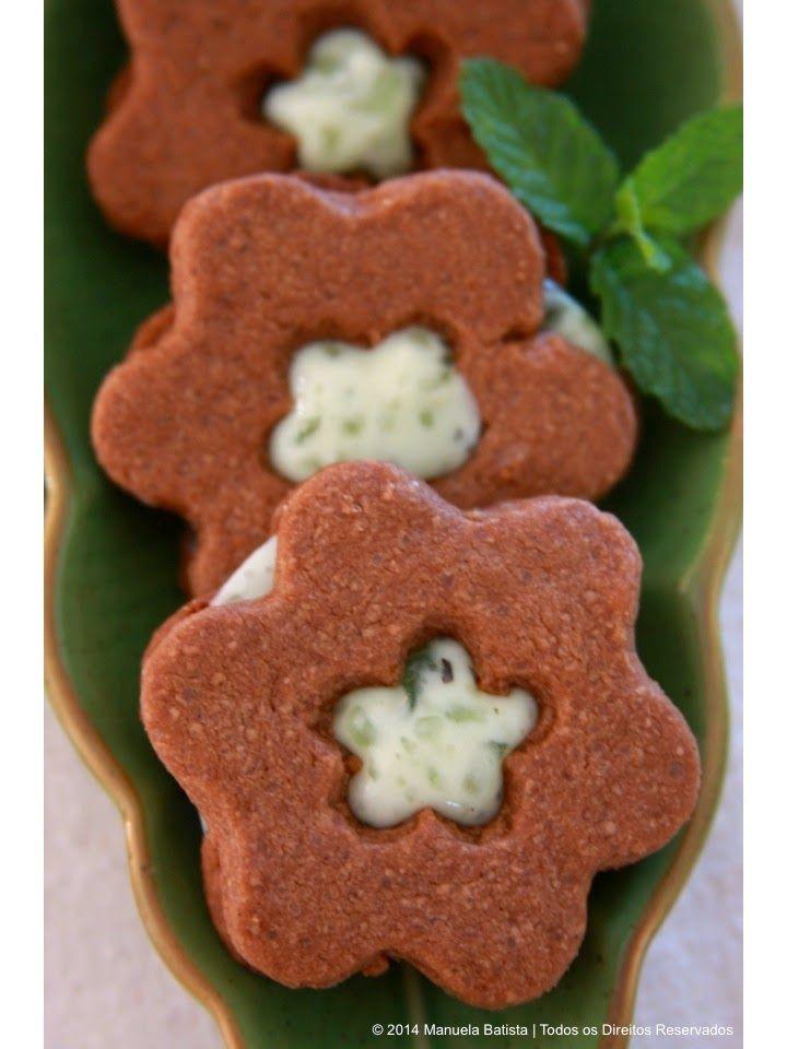 Bolachas de Chocolate com Recheio de Hortelã   Chocolate and Mint Sandwich Cookies