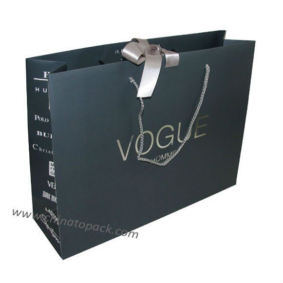 Luxury garment shopping bag 1.Customized SizeArtwork 2.Competitive pricedelivery time 3.100% Quality