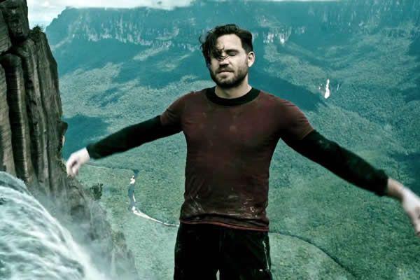 Point Break is an upcoming 2015 American action thriller.The film starsÉdgar Ramírez,Luke Bracey,Teresa Palmer, andRay Winstone
