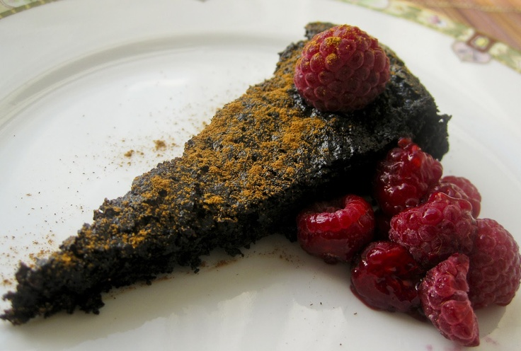 Gluten-Free & QuinoaQuinoa Recipe, Free Treats, Flourless Dark, Dark Chocolates Cake, Quinoa Flourless, Alyssa Flourless, Gluten Free, Dark Chocolate Cakes, Flourless Chocolates