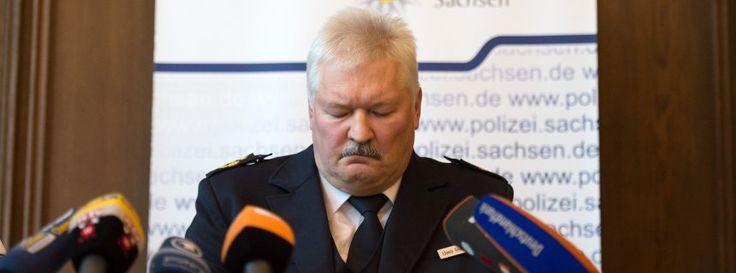 GLOBE NEWS : GERMANY NEWS-SPIEGEL-Vorfälle in Clausnitz Polizei...
