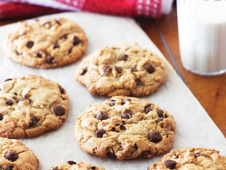 Chef Michael Smith's lentil chocolate chip cookies — yes, these delicious cookies are packed with a nutritious lentil purée!  #recipe