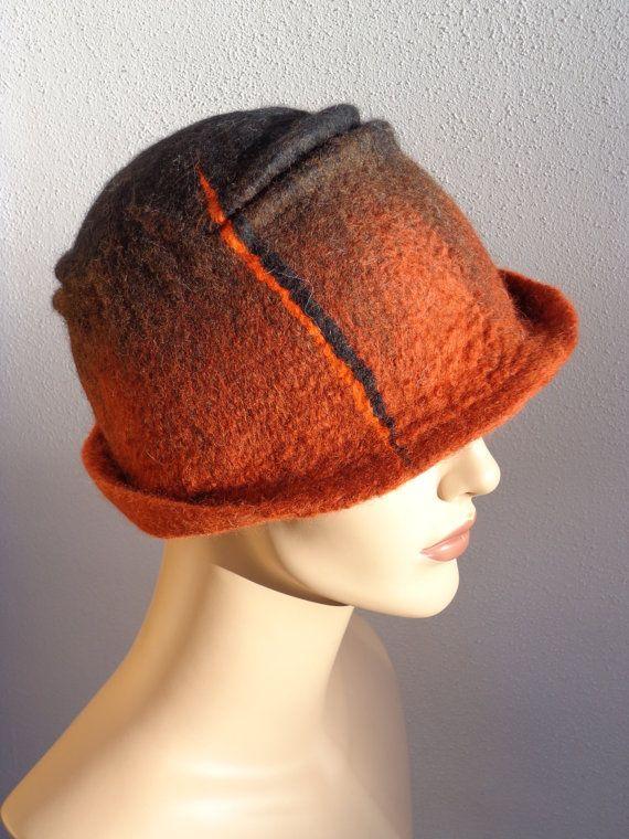 Asymetrische vilten cloche hoed, retro stijl hoed, geinspireerd uit de jaren 20, bruin, winter dameshoed
