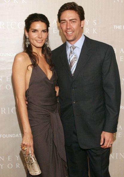 Angie Harmon Jason Sehorn Photos - Actress Angie Harmon and husband actor Jason Sehorn attend the Nina Ricci Fall 2006 Collection fashion show to benefit The Rape Foundation at Barneys New York on April 26, 2006 in Beverly Hills, California. - Barneys New York And Nina Ricci Host Benefit For The Rape Foundation