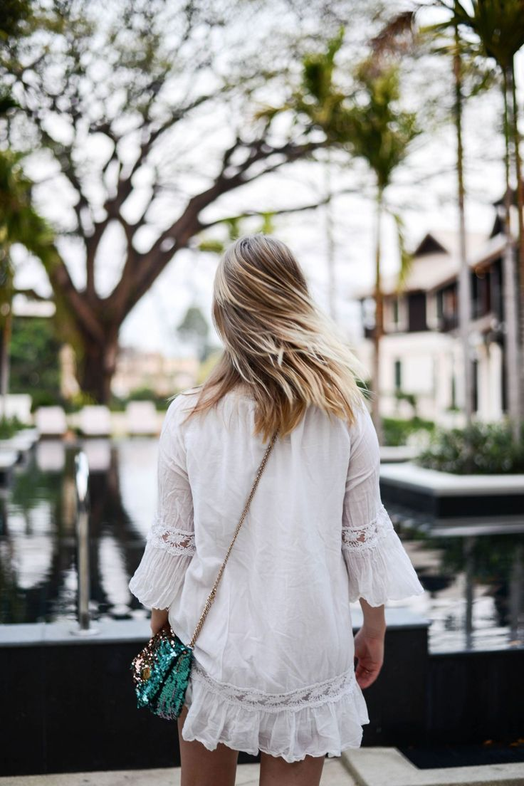 Travel blogger in Chiang Mai, Thailand. Travel the world - fashion