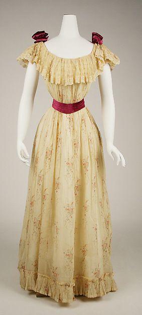 Dress Date: 1891–92 Culture: American Medium: cotton, silk Accession Number: C.I.62.36.3a, b
