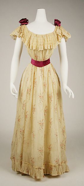 Dress Date: 1891–92 Culture: American Medium: cotton, silk Accession Number: C.I.62.36.3a, b