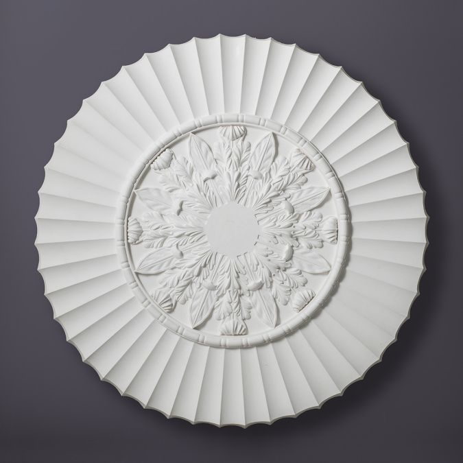 Fluted Acanthus Plaster Ceiling Rose.