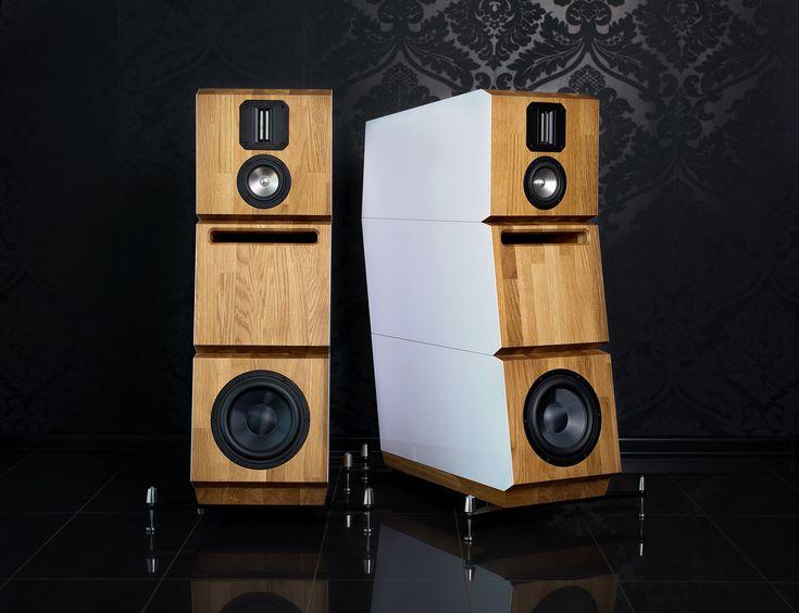 High end speakers NEO Crystal 2 #neohighend #alpha #tripod #doubletripod #quattron #highendspeakers #luxuryaudiorack