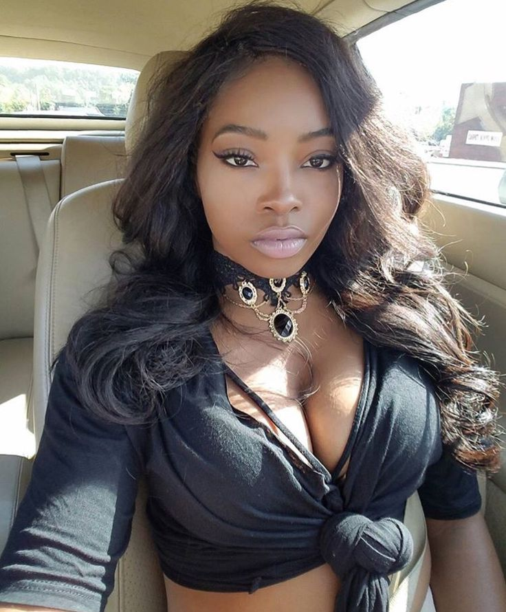 Black girl cleavage — pic 4