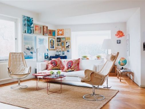 living roomHouse Tours, Chairs, Livingroom, Interiors Spaces, Colors Living, Living Room, Floors Lamps, Danishes, Pillows