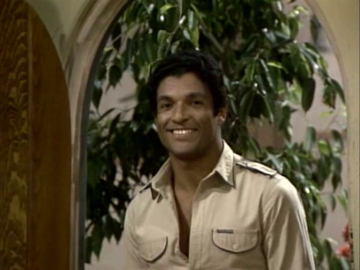 Rorion Gracie's brief TV appearance on Three's Company! #blackbeltmagazine #roriongracie #brazilianjiujitsu #martialartistsontv #martialarts #brazilianmen #gracies #graciejiujitsu #bjj