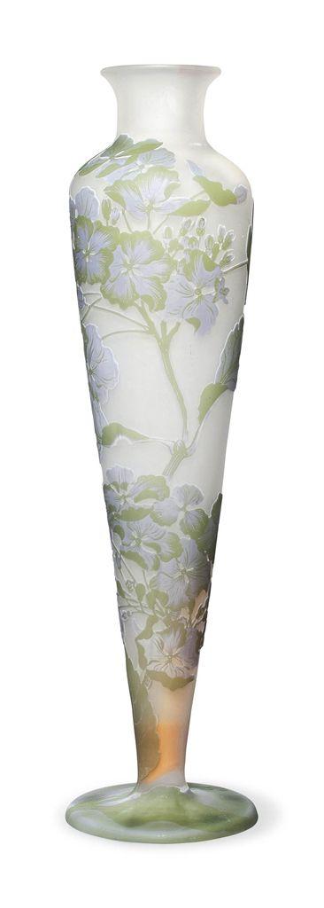 Frivolous Fabulous - Gorgeous Floral Glass Vase Frivolous Fabulous Arrangement De Fleurs