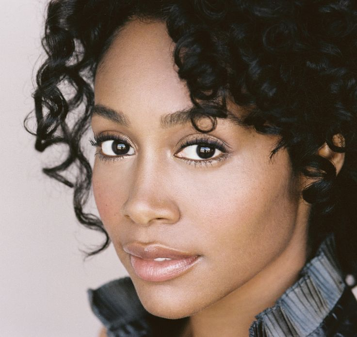 Simone Missick on IMDb: Movies, TV, Celebs, and more... - Photo Gallery - IMDb