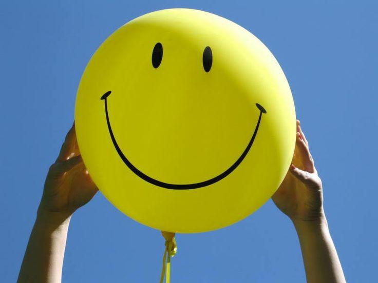 """""""Под давлением снаружи юмор рождается внутри."""" с) Михаил Жванецкий Желаем: чтобы Ваше чувство юмора не зависело от давления извне, было легким, светлым, добрым, воздушным, добавляло радости каждого дня и никогда Вас не покидало #1апреля #юмор #шутки #позитив #поздравления #пожелания #жванецкий #киев #украина #фото"""
