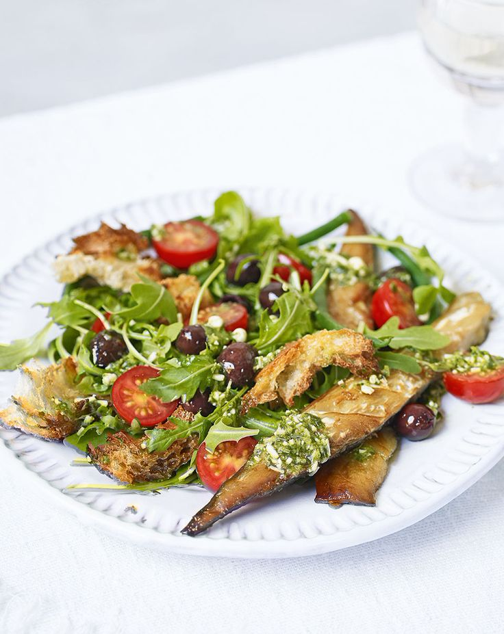 Enjoy a fuss free light supper with this grilled mackerel and Italian salad recipe.