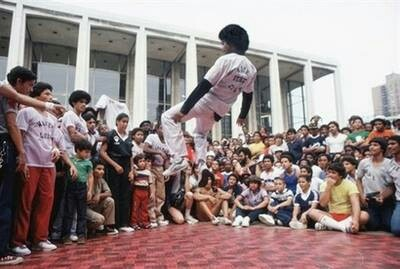 Learn how to Breakdance for beginners - Dancing Experts