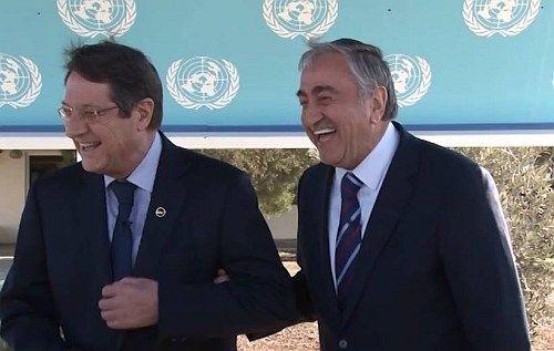 Μουσταφά Ακιντζί και Νίκος Αναστασιάδης: Η πριμαντόνα και ο κομπάρσος της Κύπρου