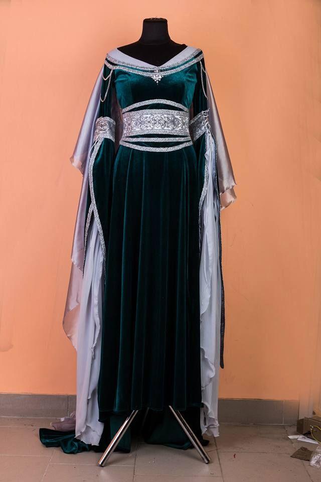 A custom version of our elven maiden dress in green velvet. #DressArtMystery…
