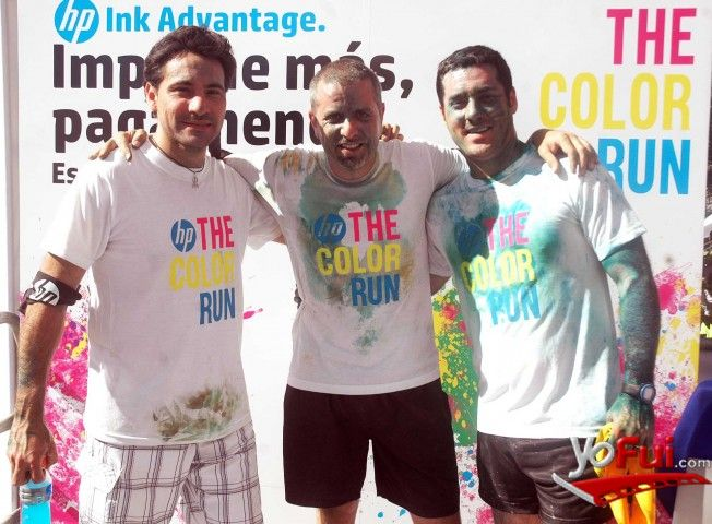 YoFui.com: Marcos Barrera, Ricardo Aude, Vicente Millán en The Color Run, Sporting de Viña del Mar, Viña del Mar (Chile)