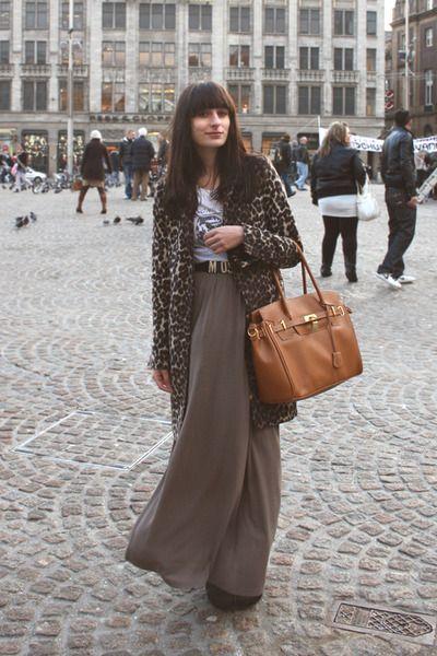 Результат поиска Google для http://images2.chictopia.com/photos/theworldlooksred/4302959028/brown-leopard-zara-coat-tawny-p-c-bag-gray-maxi-monki-skirt-black-moschino_400.jpg