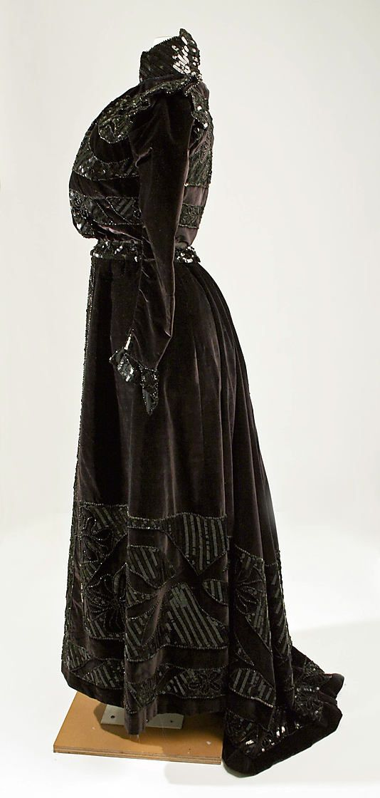 Dress.  Callot Soeurs  (French, active 1895–1937).  Date: 1899. Culture: French. Medium: silk.