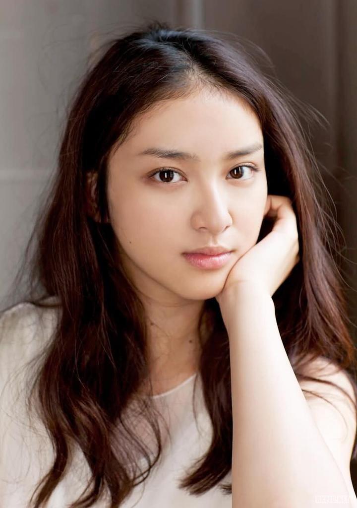 """武井咲 1993年12月25. Couldn't forget her eyes since """"大切"""""""