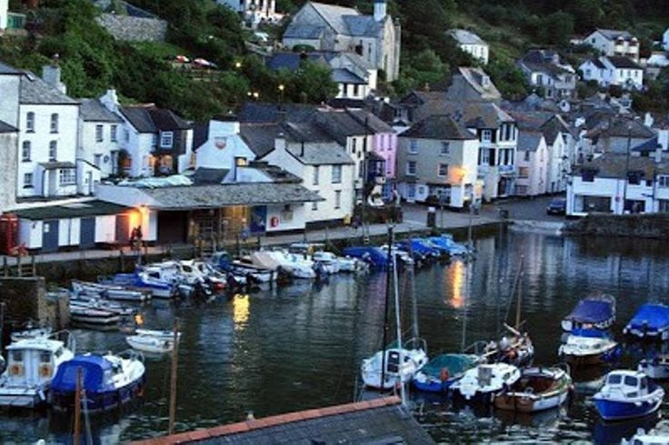 Entire home/flat in Polperro, GB. Smugglers Cottage is a 17th century 2 bed house in the heart of the ancient Cornish fishing harbour of Polperro. Cosy and comfortably furnished with harbour views. Situated directly on the South West Coast path. Beach, boat trips, pubs, shops nearby.