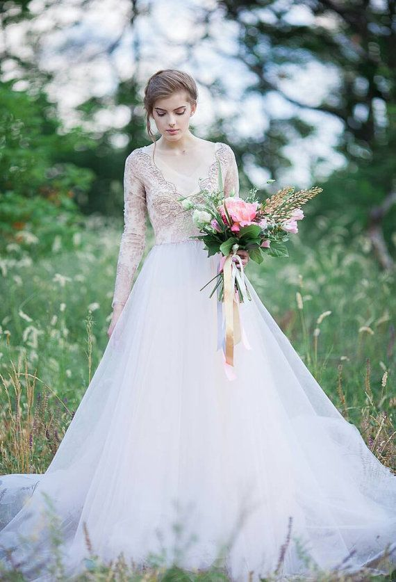 Tulle wedding gown // Orchidee limited edition от CarouselFashion