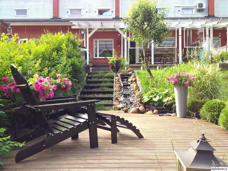 """Jäsenellä """"tiinalampinen"""" on kaunis rivitalon rinnepiha #styleroom #piha #puutarha #inspiroivakoti"""