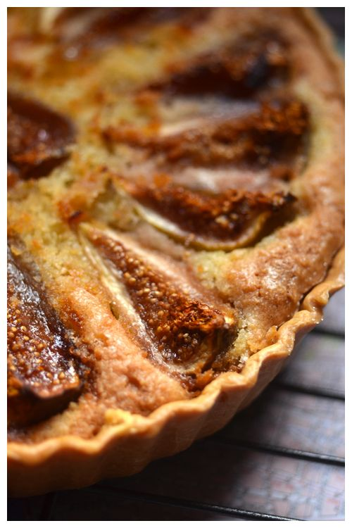 Fig and Frangipane tart - lovely presentation and a good way to make sure the figs are caramelized.