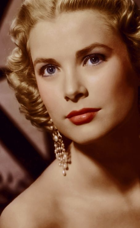 Actress Grace Kelly was born Grace Patricia Kelly November 12, 1929 in Philadelphia, Pennsylvania. She died tragically in a car accident on September 14, 1982 (age 52) in Monaco.