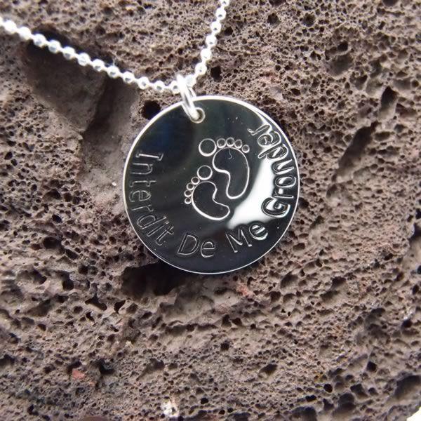 Collier médaille empreintes Pieds