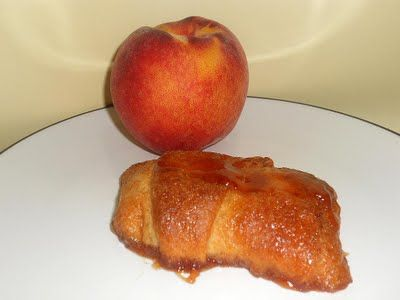 Hezzi-D's Books and Cooks: Easy Peach Turnovers