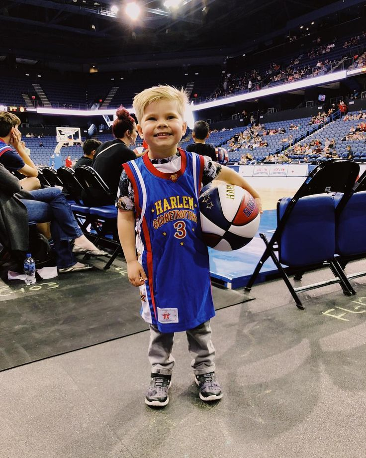 "Bryan Lanning ➳ on Instagram: ""🙌 THAT SMILE THO! Don't miss today's video! Ollie and I went and saw the @harlemglobetrotters and there was so many fun special moments! I…"""
