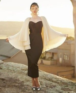 Sarah Snook captures couture glamour against a rural backdrop in <i>The Dressmaker</i>.