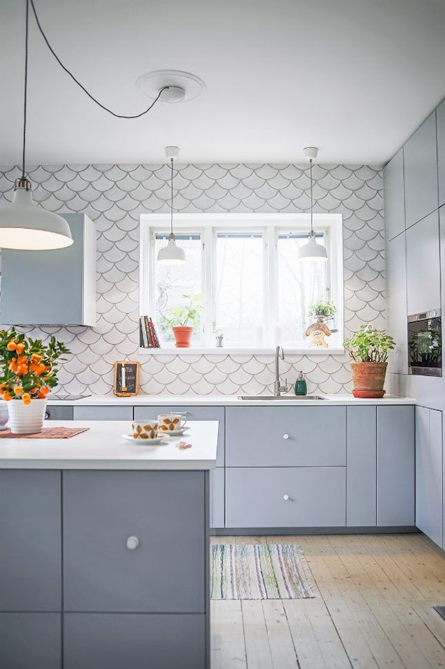 12 Ways Fish Scale Tiles Will Complete All Your Mermaid Dreams | Brit + Co