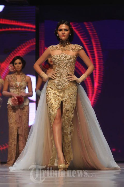 20140904_153642_fashion-show-anne-avantie-25-tahun-berkarya.jpg