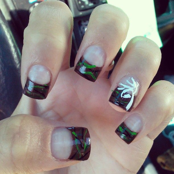 Browning/Camo Nails