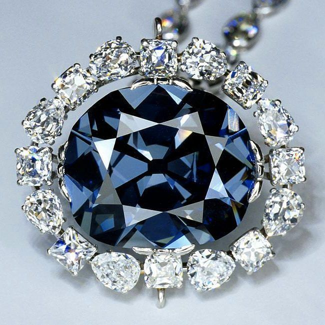 """On this day 85 years ago the """"Hope"""" diamond was donated to the Smithsonian. The diamond weighs 45.52ct and is a stunning natural fancy blue color.  #onthisday #hopediamond #blue #smithsonian"""