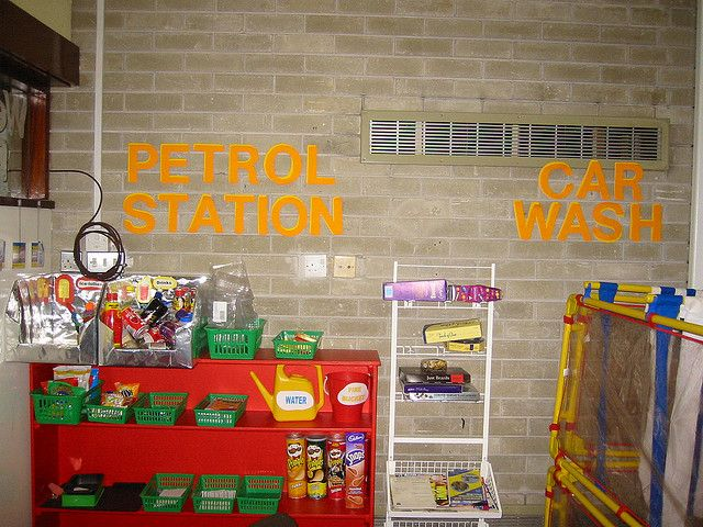 Great ideas for creating a petrol station and adding your own props for Role Play #earlyyears #roleplay