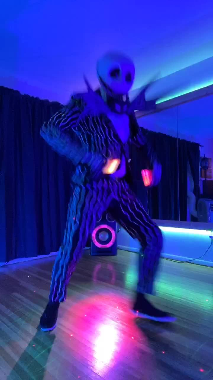 The Name Is Vanny Vannessa Glitchtraps Glizzy On Tiktok All For My Springtrap Simps Springtrap Fnaf2020 Trending Videos Greenscreen Anime Fnaf