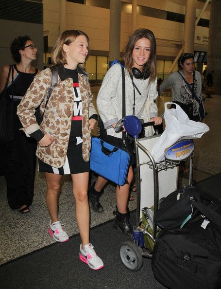 Adele Exarchopoulos Pictures - Lea Seydoux and Adele Exarchopoulos Arrive in Toronto - Zimbio