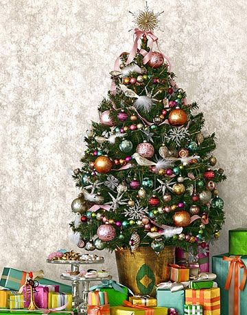25 Small Yet Gorgeous Christmas Trees | Shelterness