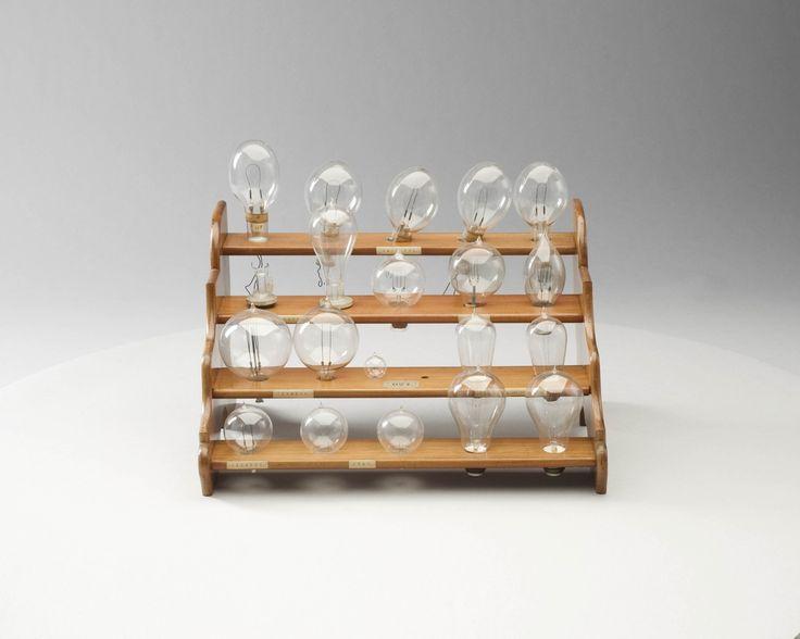 Elektrische gloeilampen — Teylers Museum