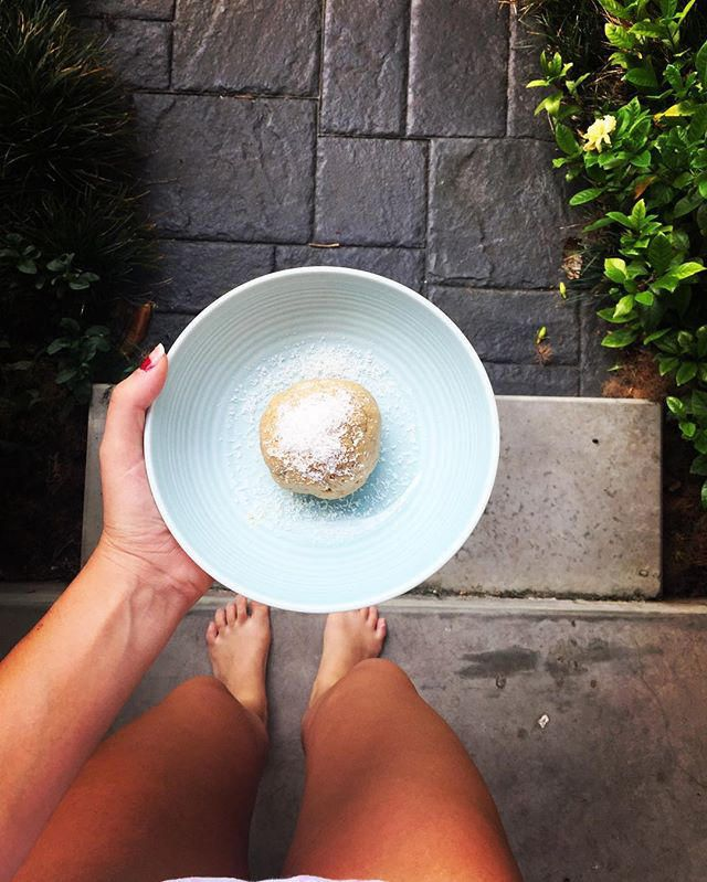 Coconut + Lime Bliss Balls & the benefits of LIME JUICE