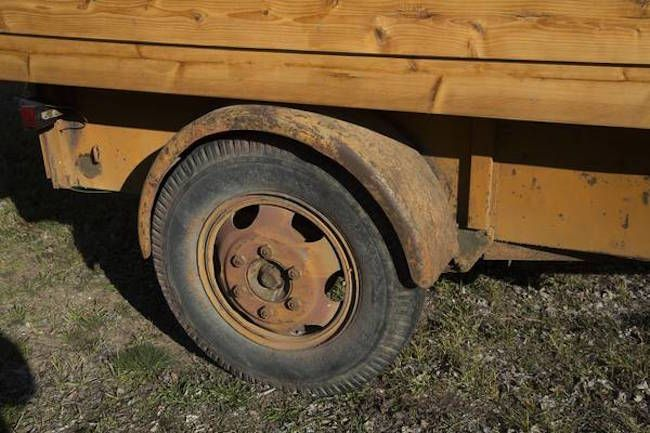 Ben Hur trailer wheels