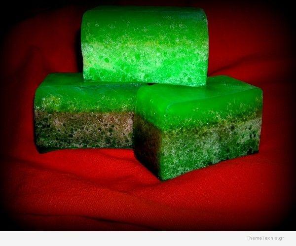 Χειροποίητο Σαπούνι με σφουγγάρι – Handmade soap with sponge